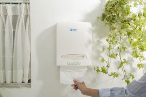 Sử dụng hộp đựng giấy lau tay làm cho không gian nhà vệ sinh trở nên sang trọng hơn